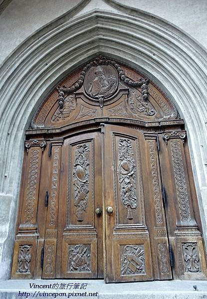 聖母主座教堂大門