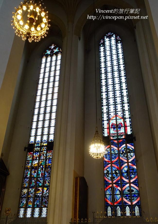 聖母主座教堂 彩繪玻璃