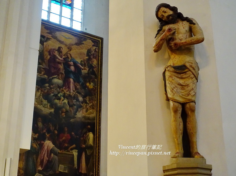 聖母教堂 畫與雕像