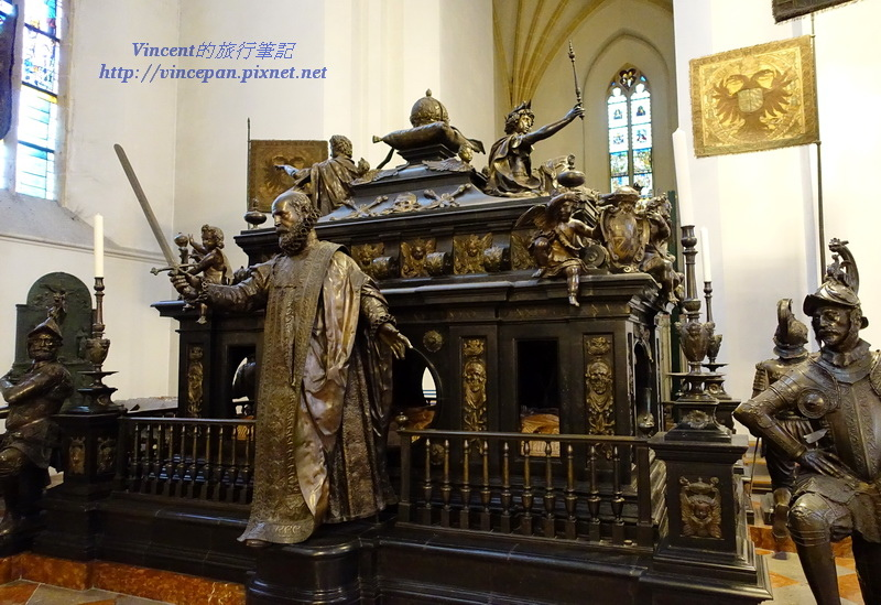 路易四世的墓碑