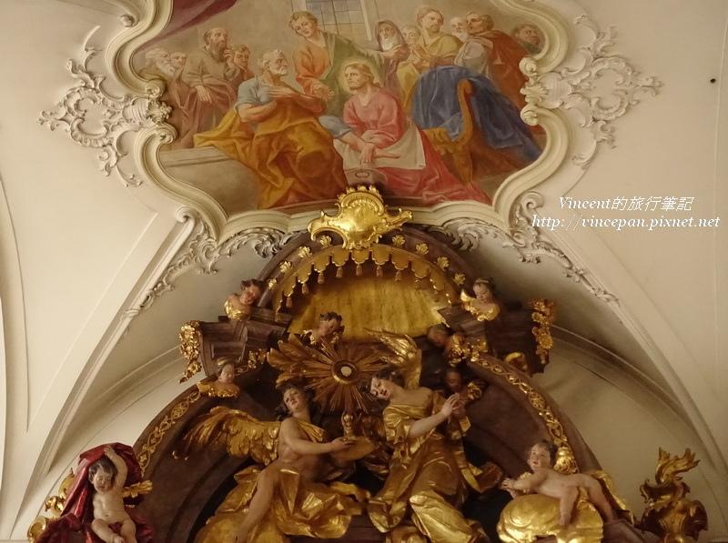 聖彼得教堂的雕刻壁畫