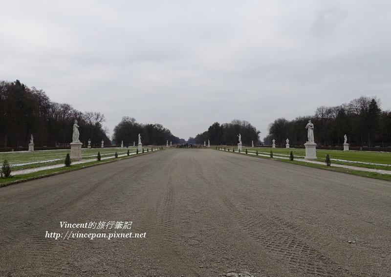 寧芬堡宮後花園廣場