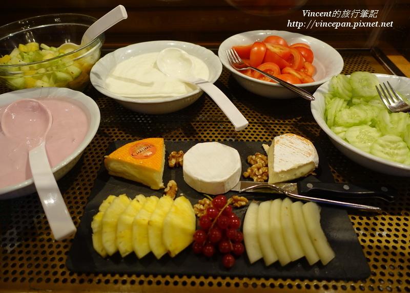 起司、水果、蔬菜與優格