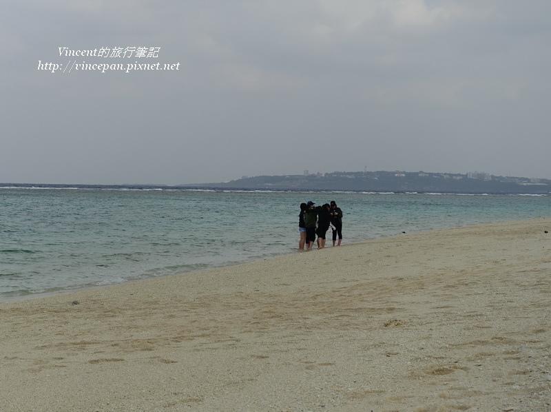 瀨底海灘的遊客