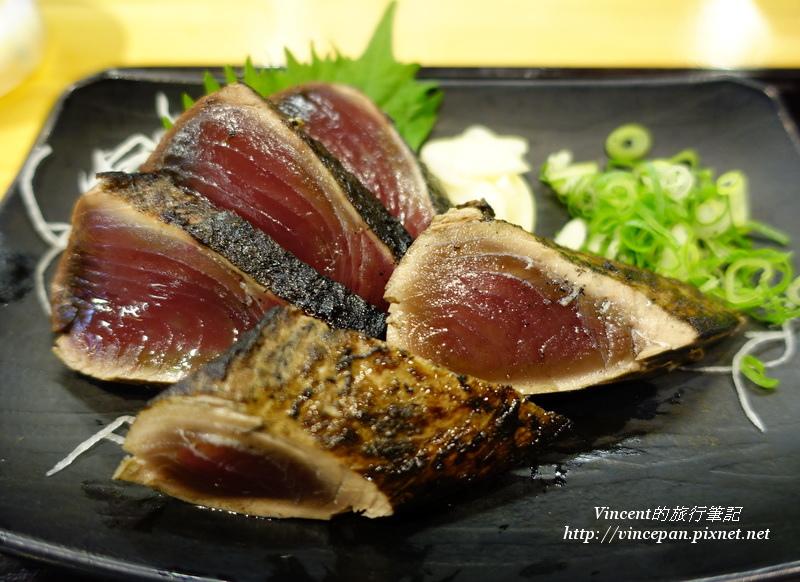 稻草炙烤鰹魚