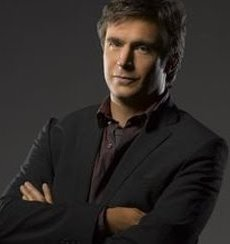 Jack Davenport ... as  Lloyd Simcoe.jpg