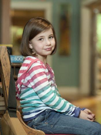 Savannah Paige Rae as Sydney Graham in Parenthood.jpg