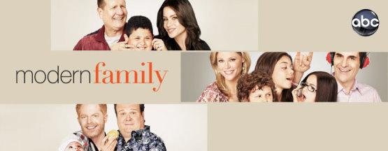 Modern Family Poster 02.jpg