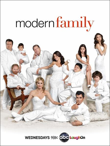 Modern Family S2 Poster.jpg