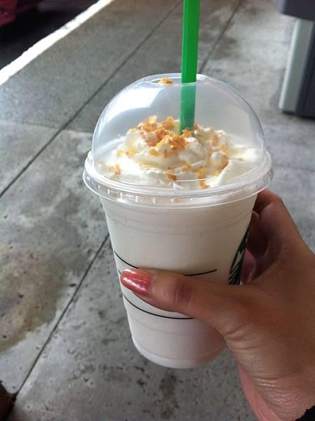 星巴克coconut creme frappuccino.JPG