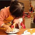 1010226_鹹蛋超人飯糰製作中