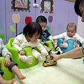 981210_這是幼稚園娃娃車喔.jpg