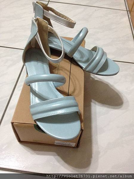 配色涼鞋1
