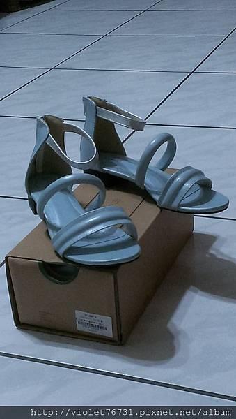 配色涼鞋7