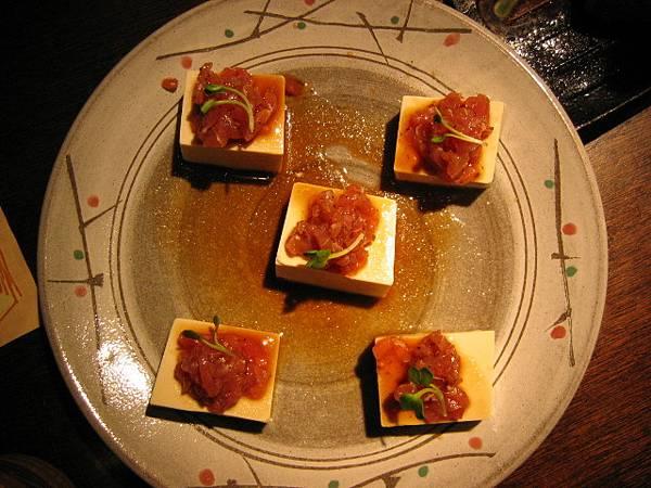 生鮪魚冷豆腐