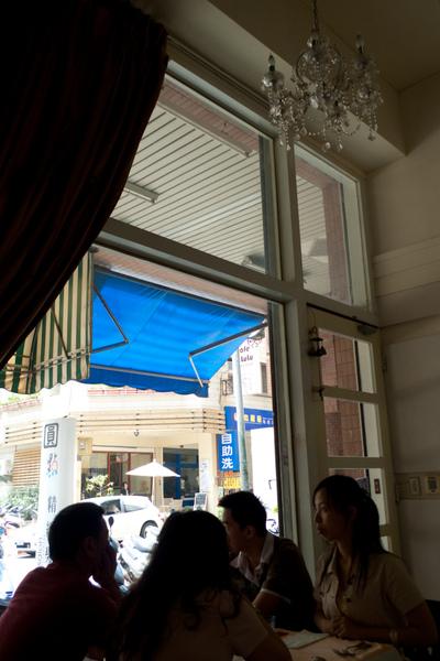 香妍的落地窗&吊燈