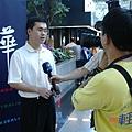 暑假遊學團接受媒體採訪.jpg