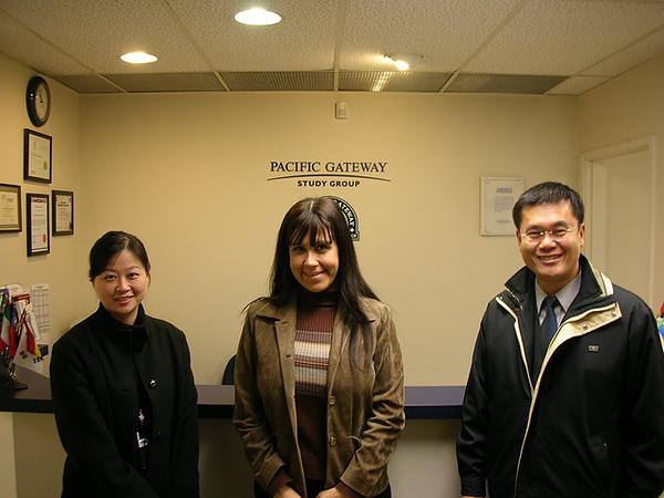 受邀訪問 PGIC溫哥華分校.jpg