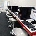 擁有快速網路的電腦中心.jpg