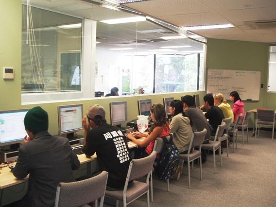 學校的電腦教室.jpg