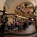 傳統建築內的購物中心.jpg