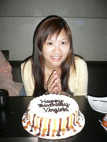 22歲了~~~~~~~~~~~  ^^ 變老了