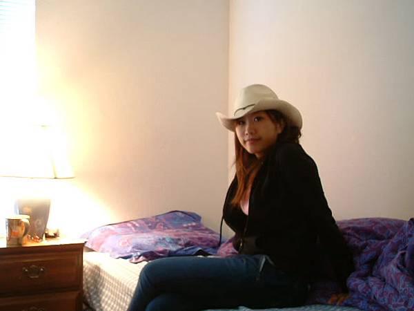 第一個房間,我像不像女牛仔