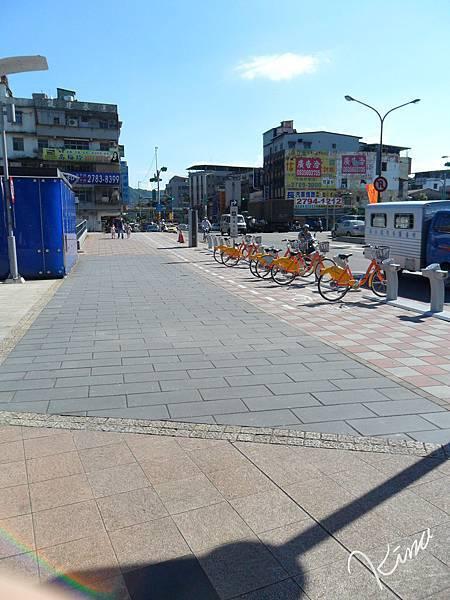 捷運南港展覽館5號出口-腳踏車