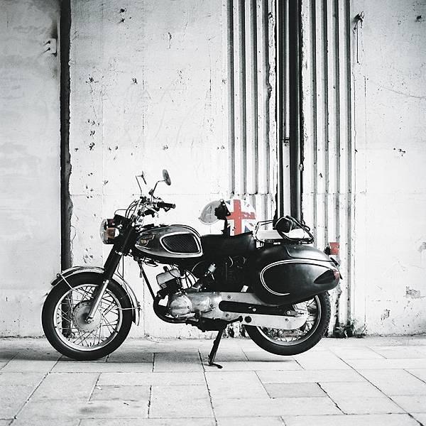 Kawasaki B1-條碼貓