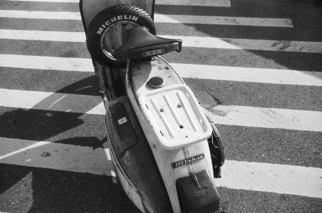 1030-FN64-Leica28-Xtol-Stock-Stand-7mins (12).jpg