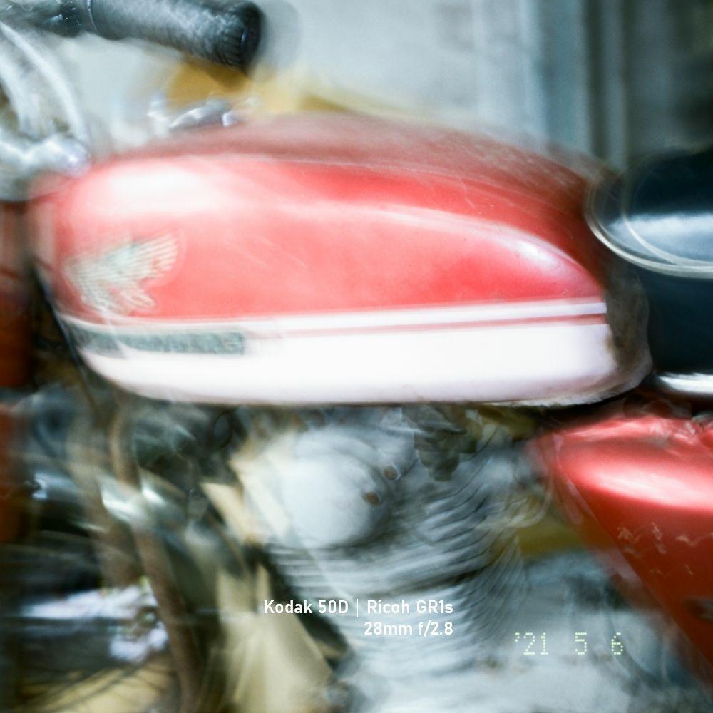 21052401 - Kodak 50D - Rioch GR1S (4).jpg