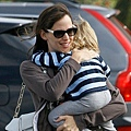 Jennifer Garner in 'Sophia' Oliver Goldsmith Sunglasses