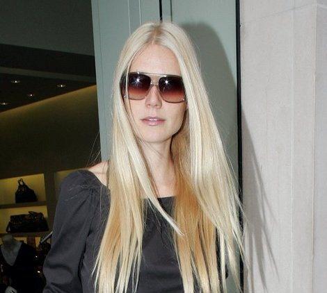 Gweneth Paltrow in 'Carl' Oliver Goldsmith Sunglasses