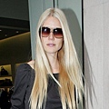 Gweneth Paltrow in 'Carl' Oliver Goldsmith Sunglasses