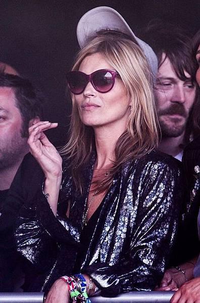Kate Moss wearing Manhattan 'Grape' - Oliver Goldsmith Sunglasses