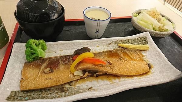 醬汁鮮魚煮定食