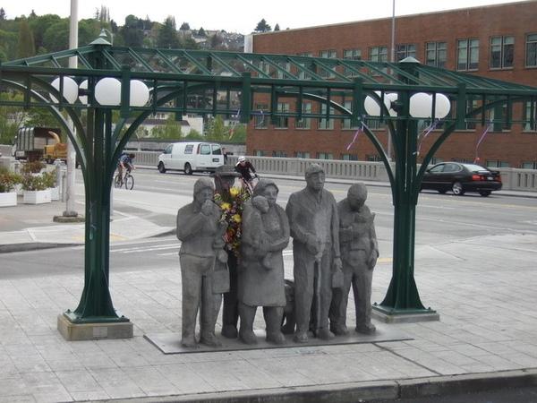 西雅圖-很特別的雕像,據說是紀念真實的感人事蹟