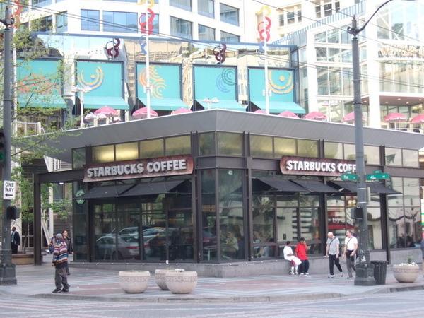 西雅圖-Starbucks有各式各樣不同的顏色及款式招牌
