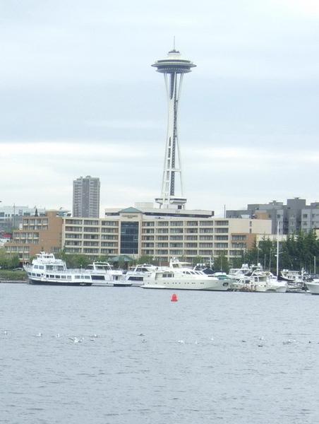 搭捕蟹船時光大盜號遊西雅圖港灣-太空針塔