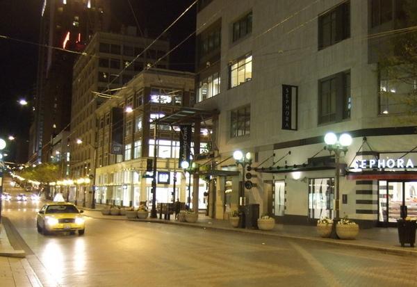 西雅圖夜晚的冷清街道