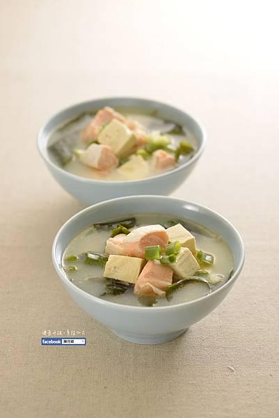 【味噌鮭魚湯】