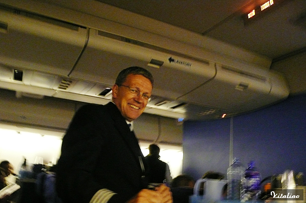 KLM航空..人很nice的空少..