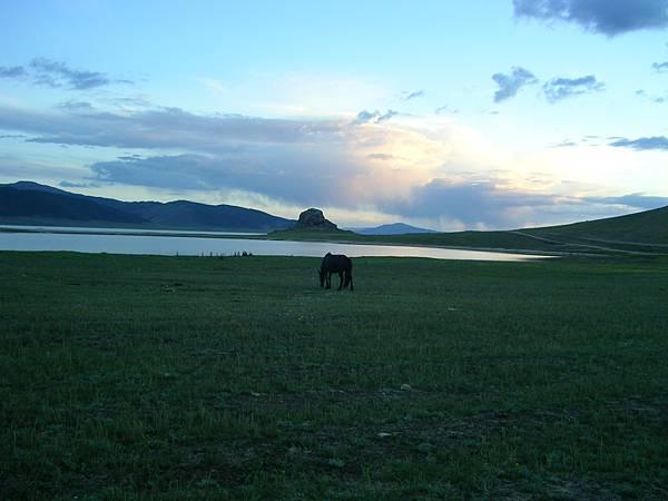 白湖的夜景