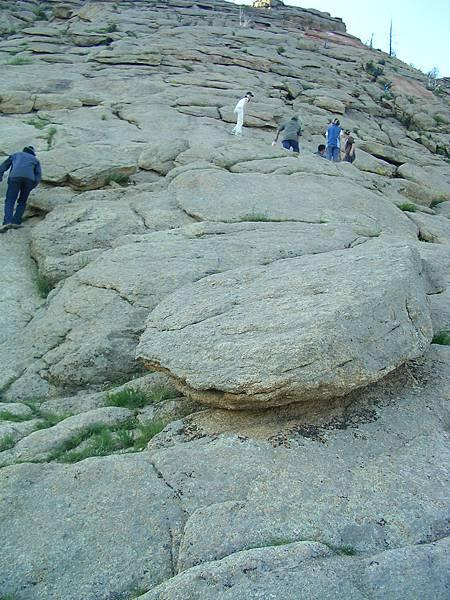 在Tsetserleq爬的山
