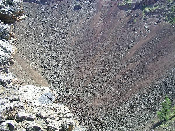 白湖的火山口