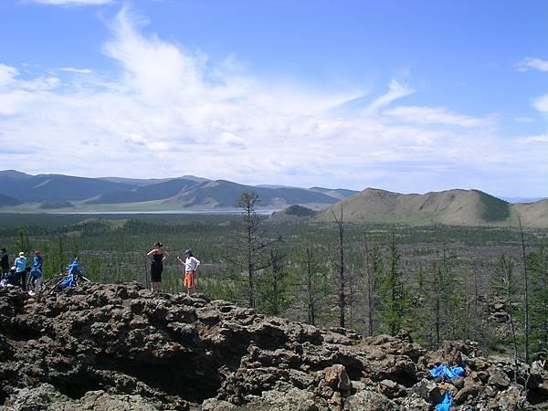白湖火山口的另一側