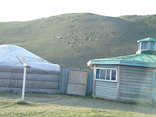 Anar的後山坡