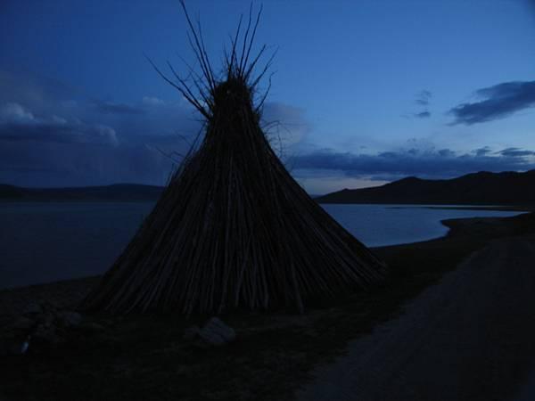 白湖附近的Ovoo