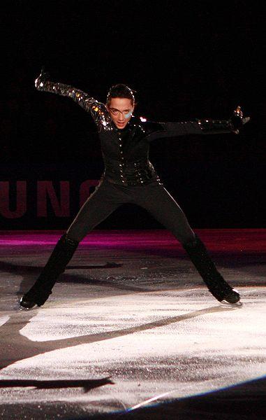 Johnny Weir at the 2009 Festa On Ice._poker_face.JPG
