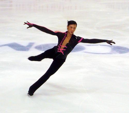 Johnny_Weir_(2009_Rostelecom_Cup).jpg
